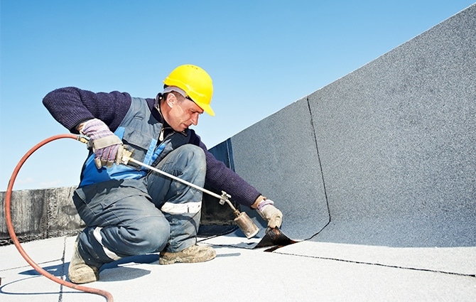 commercial flat roofing contractors Milwaukee
