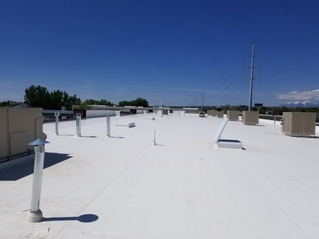 Milwaukee commercial roofs