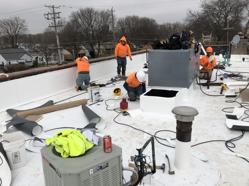 Skilled commercial roofing contractors