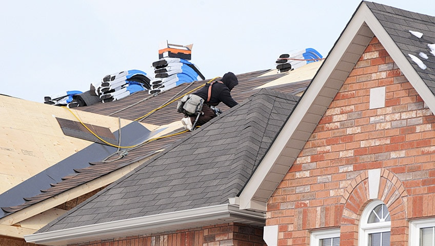 save on Milwaukee residential roofing