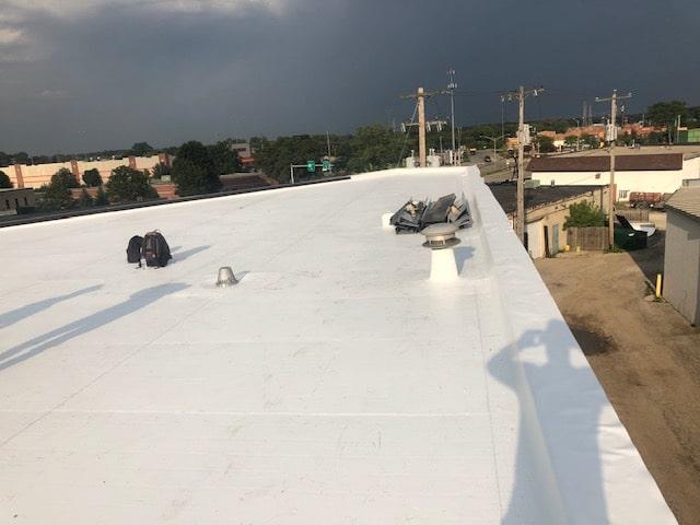 flat roofing contractors in Milwaukee